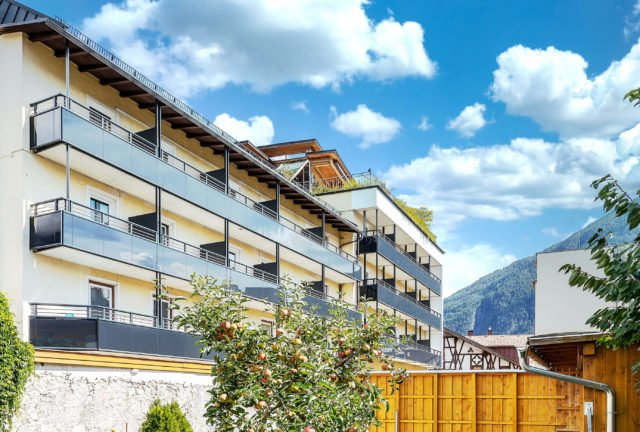Hotel in Imst mit Alu Select Balkongelaender Padova