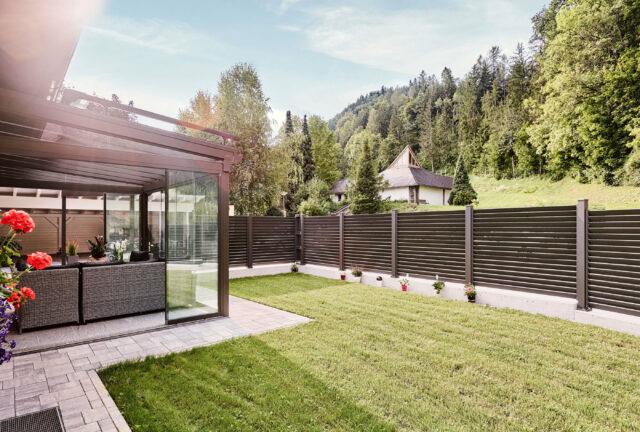 sommergarten alu glas terrasse ensemble mit leeb sichtschutzzaun